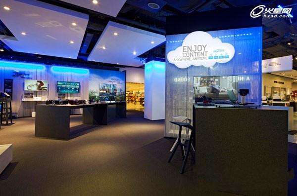 炫酷科技风!伦敦三星店中店展示设计