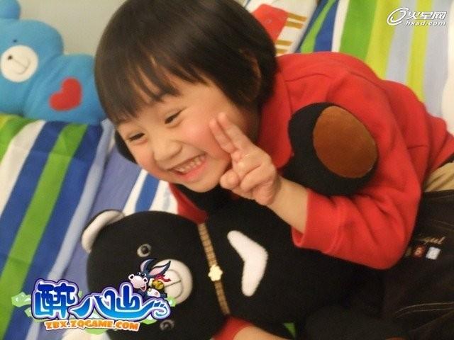 俘虏大票粉丝的心,如今一跃成为台湾童星界身价最高的小明星.